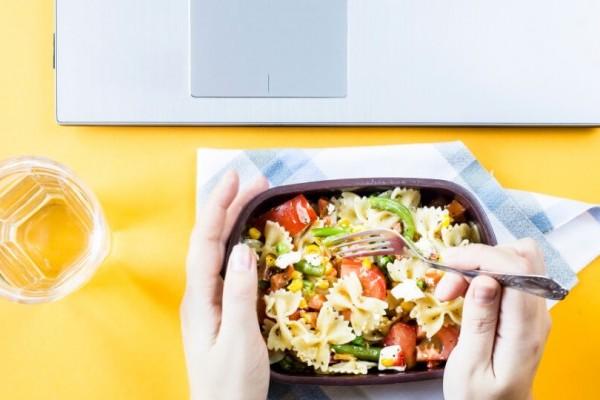 10 consigli per mangiare sano in pausa pranzo
