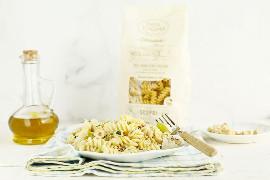 Fusilli with cauliflower cream and hazelnuts