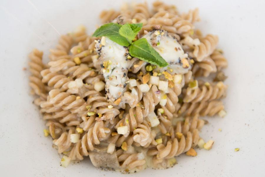 Gorgonzola with truffle