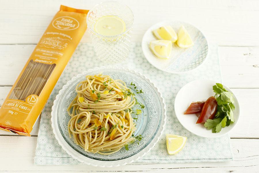 Spaghetti con limone e bottarga