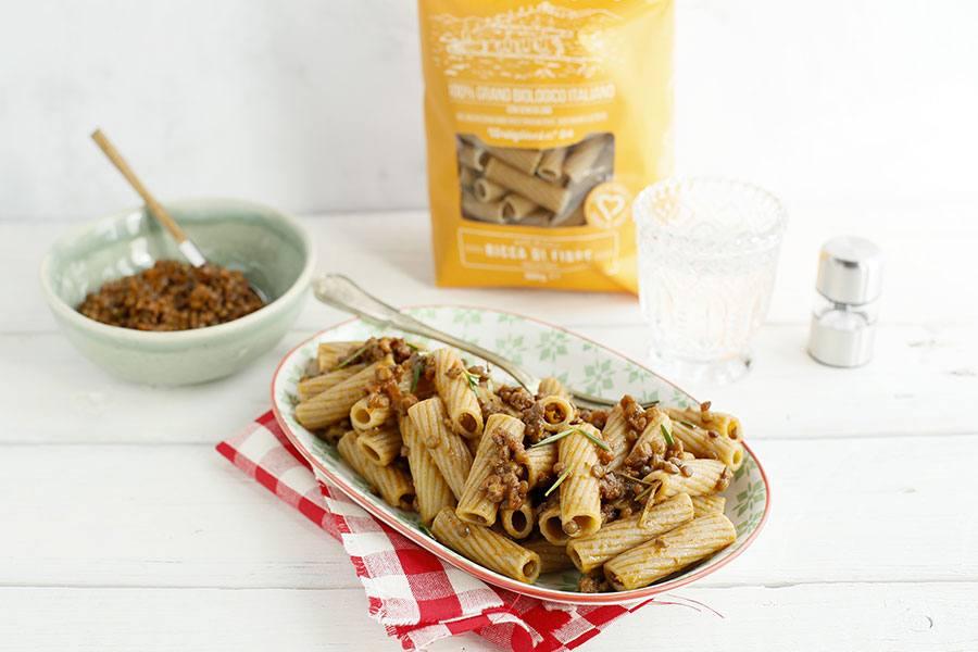 Tortiglioni with lentille ragù sauce
